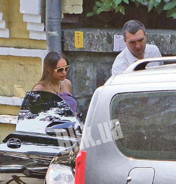 Ліза Єфросиніна з вагітною Віталіною Ющенко прогулялись