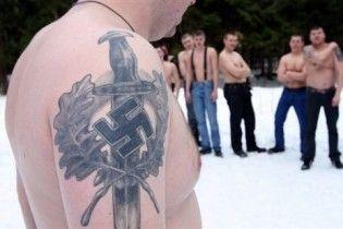 Російські скінхеди готуються до революції