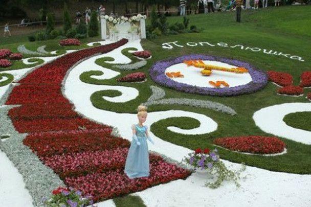 """Виставка квітів """"Казки народів світу"""""""
