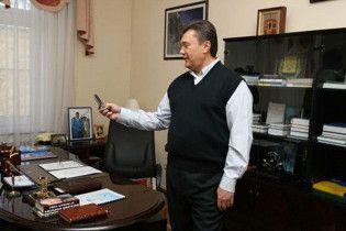 Янукович відмовився везти журналістів на свою дачу