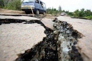 Землетрус у Грузії зруйнував будинки та завалив трасу