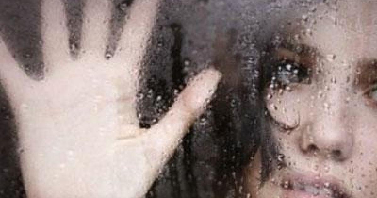 Секс ізнасілованя над школьніцею фото 579-706