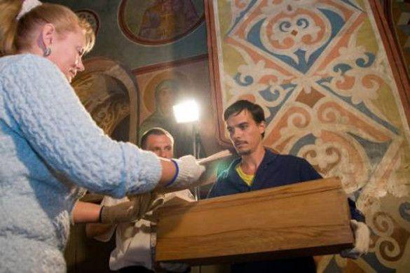 Розкриття саркофага Ярослава Мудрого