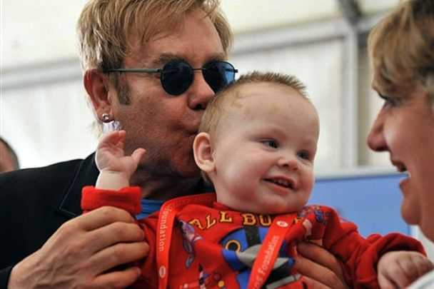Lady GaGa стане хрещеною мамою сина Елтона Джона