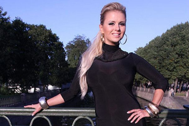 Анна Семенович готує шлюбний контракт