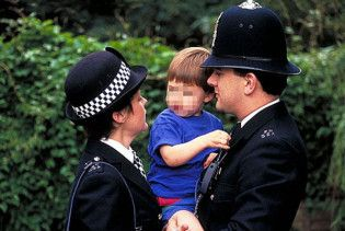 Трирічна дитина стала наймолодшим підозрюваним в історії Великобританії