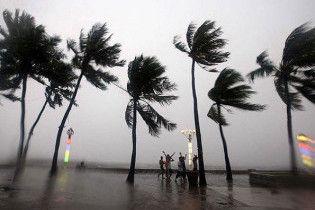 На Філіппіни насувається новий, ще потужніший тайфун