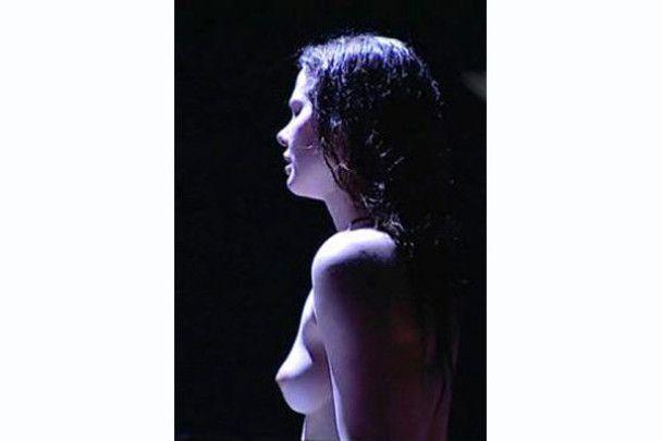 Гола Ліза Боярська влаштувала секс-шоу