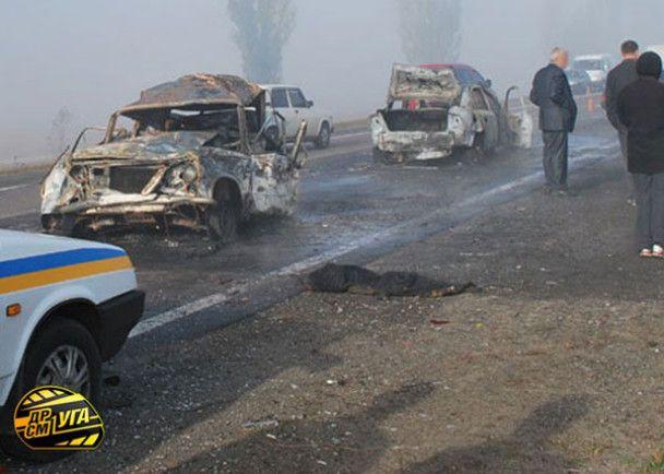 Жінка живцем згоріла в ДТП під Києвом