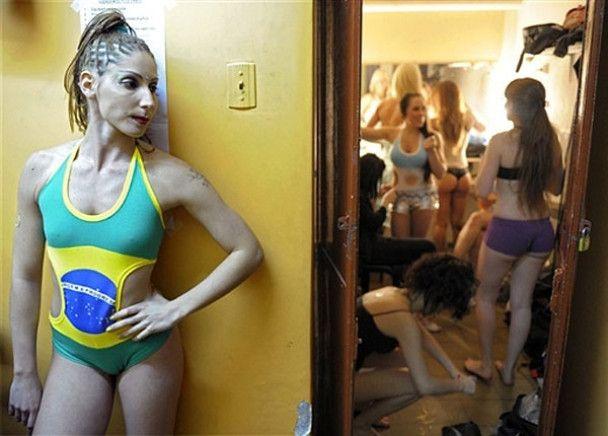 Конкурс танців на жердині в Буенос-Айресі