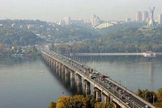 У Києві на місяць перекриють міст Патона