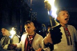 Всіх українців від 14 років вчитимуть націонал-патріотизму