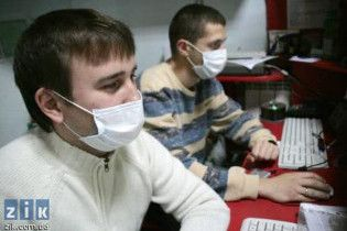 Через епідемію грипу в Україні закрито всі навчальні заклади