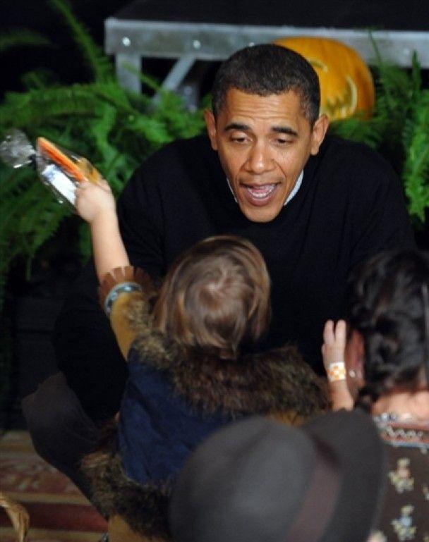 Дружина Обами на Хелловін вирядилася жінкою-кішкою