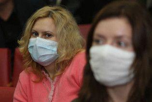 Усіх київських студентів змусять два тижні носити маски