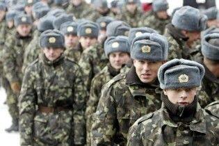 Українську армію у 2011 році недофінансують наполовину