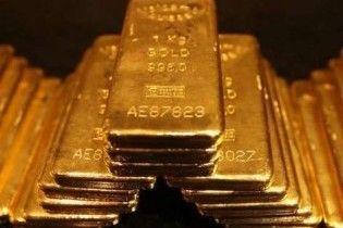 Фінансисти порадили інвестувати у золото: воно дорожчатиме і надалі