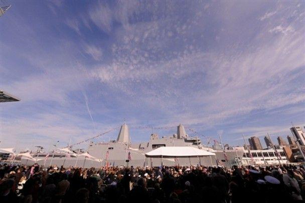Флот США отримав корабель, збудований з уламків веж-близнюків