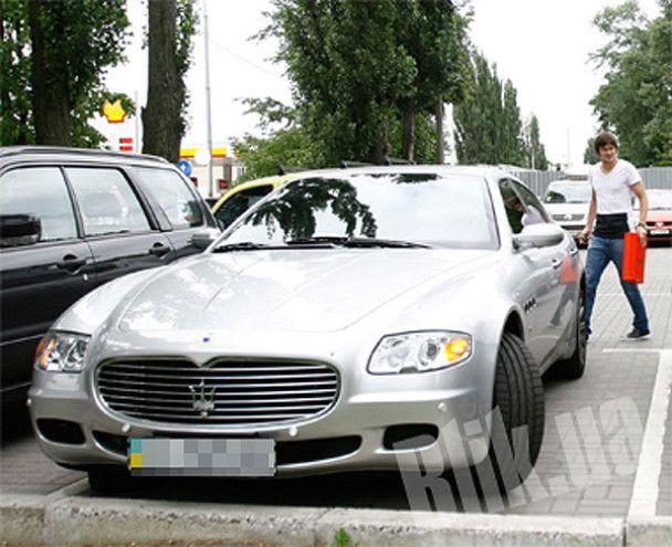 """Автопарк футболістів """"Динамо"""": одні на Maserati, інші - на таксі"""