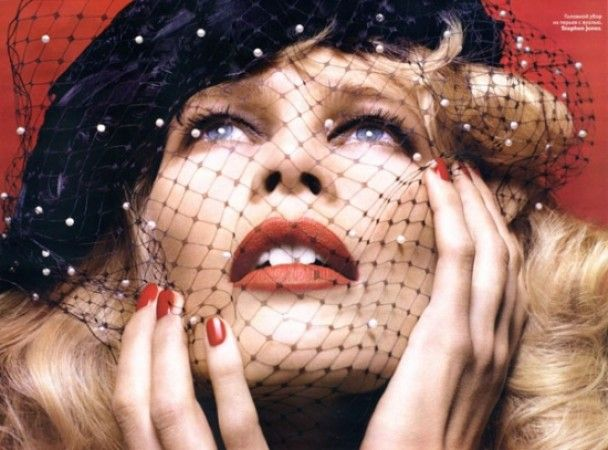 Вагітна Клаудія Шиффер оголилась для Vogue