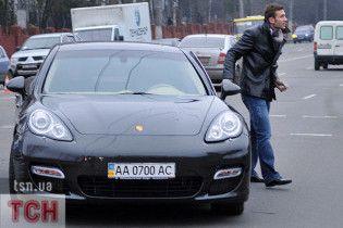 Шевченко заплатить за ремонт свого Porsche 50 тисяч