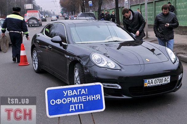 Шева потрапив у ДТП на своєму Porsche