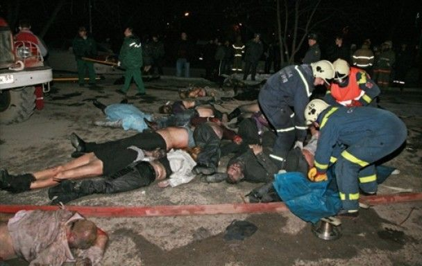 Підозрюваних у пожежі в пермському клубі зібралися лінчувати