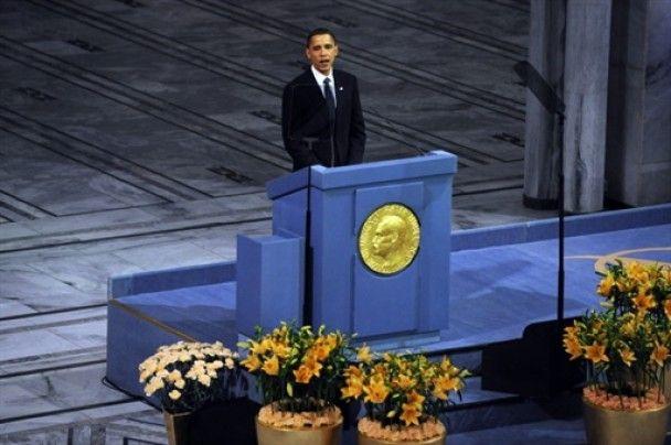 Бараку Обамі вручили Нобелівську премію миру