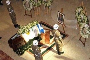 На Кіпрі викрали з могили тіло колишнього президента