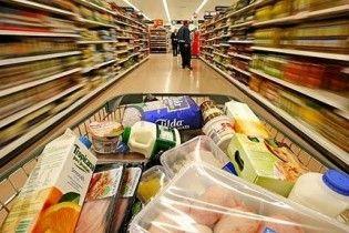 Покупці у супермаркеті побилися палками ковбаси за візочок