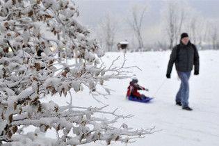 На південь Європи обрушилися сильні снігопади: є жертви