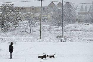 В Одесі через снігопад обрушився дах житлового будинку