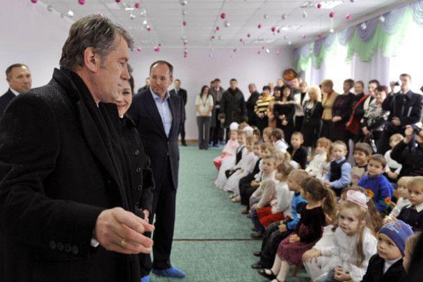 Ющенко в Одесі святкував Хануку