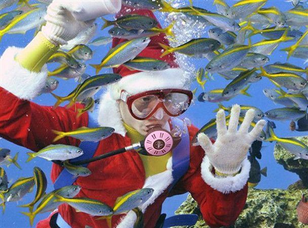 Святкові розваги Санта-Клаусів