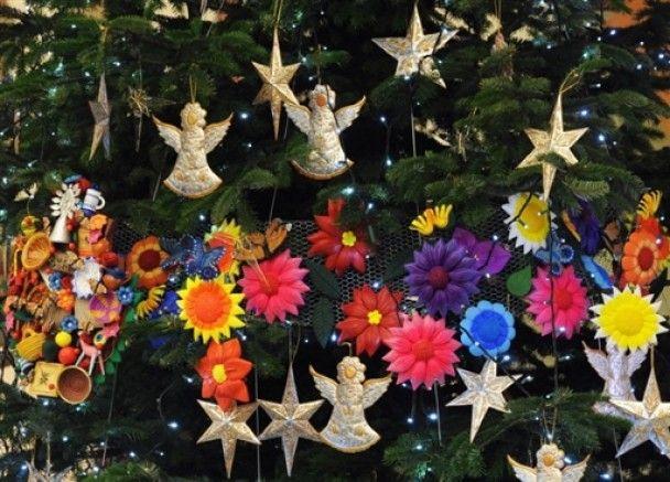 Мільйони християн відзначають Різдво