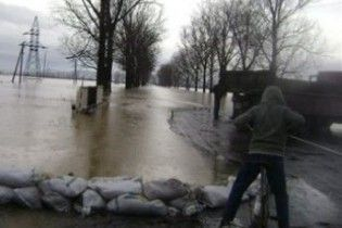 Вода на Закарпатті почала спадати
