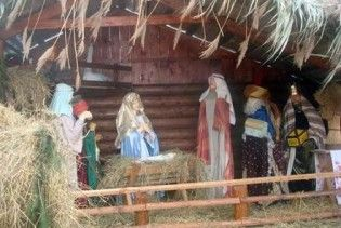 У Тернополі встановили найбільший в Україні різдвяний вертеп
