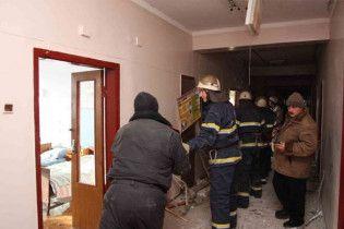 МНС втратило надію врятувати людей з-під завалів луганської лікарні