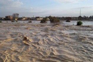 Єгипетські курорти затопила найсильніша за останні 16 років повінь