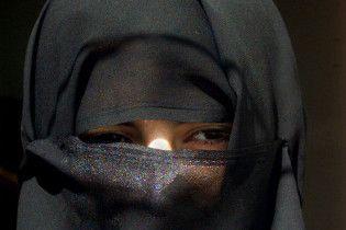 """""""Аль-Каїда"""" вербує в Іраку терористок-смертниць серед зґвалтованих дівчат"""