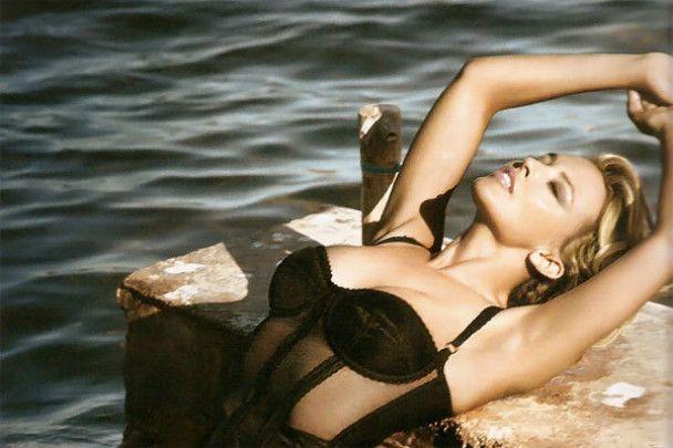 Сексуальна Кайлі Міноуг в іспанському Vogue