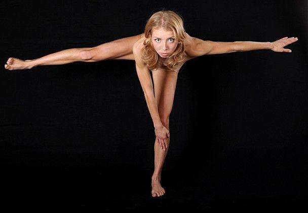 Російська біатлоністка оголилась перед Олімпіадою
