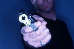 У Чернігові невідомий чоловік розстріляв перехожих: поранені діти