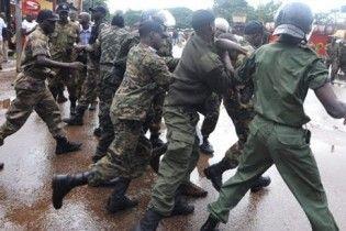 У Гвінеї масові сутички між християнами і мусульманами: десятки поранених