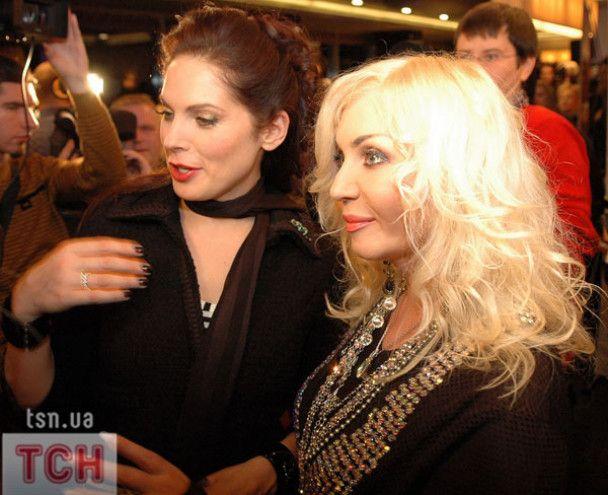 Ірина Білик розбила Катерині Осадчій мікрофон