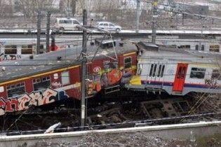 В лобовому зіткненні потягів у Бельгії один з машиністів дивом вижив