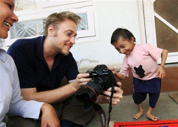 Непалець зростом 56 см претендує на звання найменшої людини світу