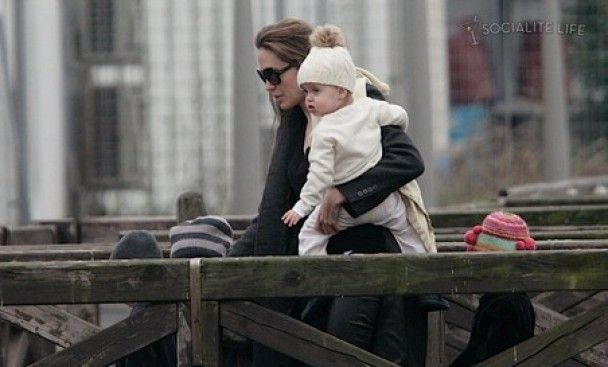Анджеліна Джолі помирилась зі своїм батьком