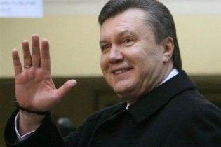 Янукович відбув із першим президентським візитом до Брюсселя