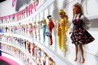 Расовий скандал в США: білошкіра лялька Барбі коштує дорожче, ніж чорношкіра